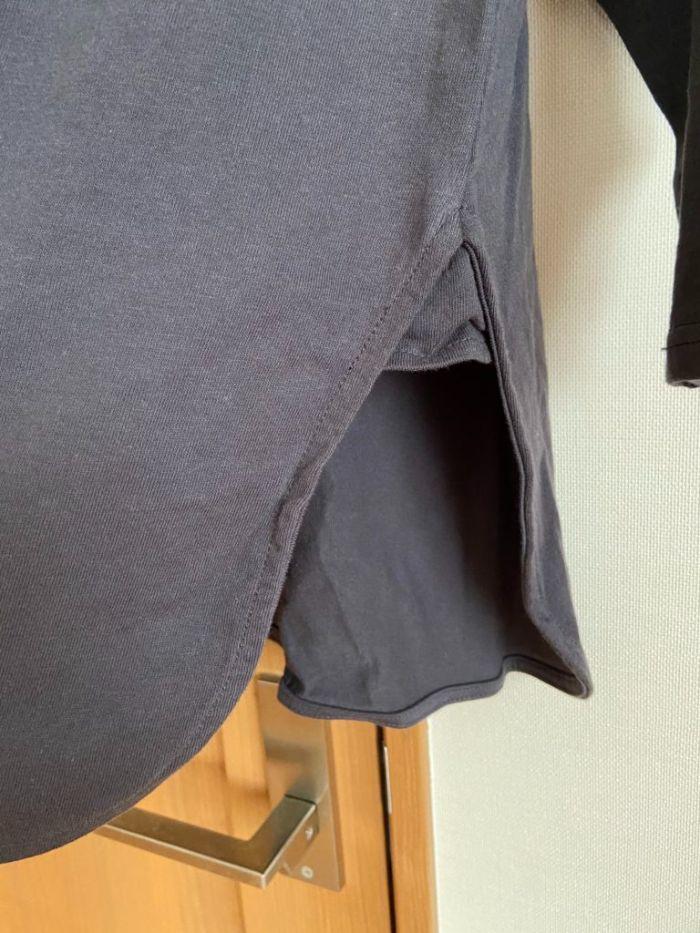 コカのオーバーサイズカットソーの裾