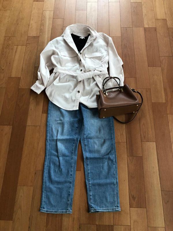 GU コーデュロイベルテッドオーバーサイズシャツのコーデ