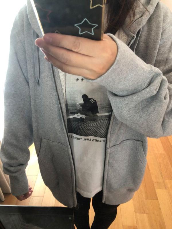 ユニクロ メンズ スウェットフルジップパーカーXLを女性が着たサイズ感